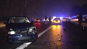 Massenkarambolage auf A30: Blitzeis führt zu Dutzenden Unfällen
