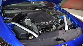 Für den Vortrieb sorgt im besten Fall ein 3,3-Liter-V6 Twin-Turbo mit 365 PS.