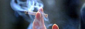 Bald Verbot in öffentlichen Räumen?: Japan bleibt kein Raucherparadies