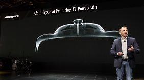 Einen ersten Ausblick auf das Hypercar gibt AMG-Chef Tobias Moers auf der NAIAS in Detroit.