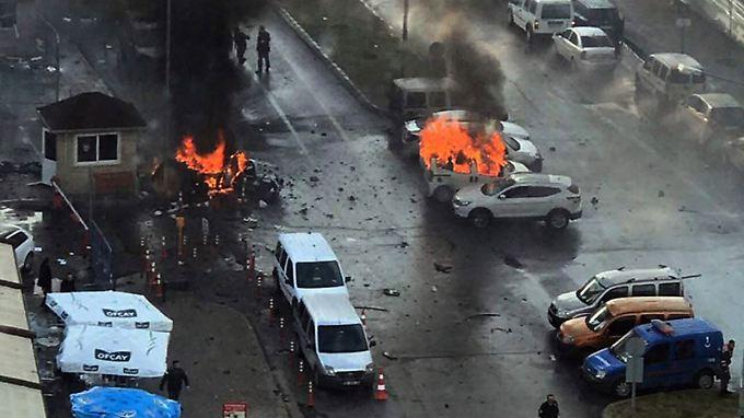 Bis vergangene Woche blieb die Mittelmeermetropole Izmir von Anschlägen verschont.