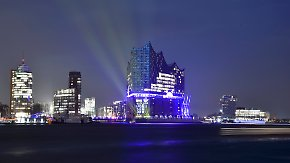 Gefeierte Katastrophe: Hamburger Elbphilharmonie erwacht zum Leben