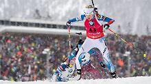 Dahlmeier chancenlos auf dem Podium: Mäkäräinen deklassiert Biathlon-Konkurrenz