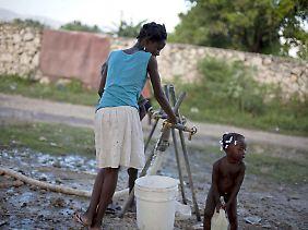 Reines Trinkwasser ist die Grundlage bei der Vorbeugung von Cholera.