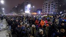 Zehntausende Rumänen gingen gegen die geplante Lockerung der Anti-Korruptionsgesetze auf die Straße.
