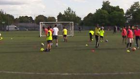 Integration durch Fußball: Londoner Kinder kicken gegen den IS