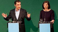 Zumindest in Umfragen beflügelte das neue Spitzenduo, Cem Özdemir und Katrin-Göring Eckardt, die Grünen nicht.