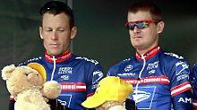 Einst Teamkollegen - heute Widersacher: Lance Armstrong (l.) und Floyd Landis.