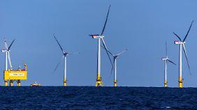 """Der Offshore-Windpark """"Baltic 2"""" vor der Insel Rügen."""