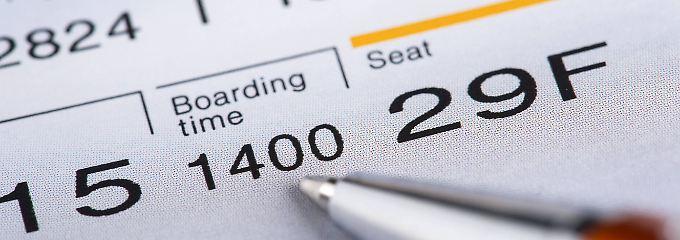Kryptische Angabe auf dem Ticket: Was steckt hinter Flug-Buchungsklassen?