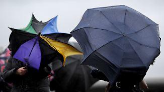 Fast überall Schmuddelwetter: Sturm und Regen peitschen über Deutschland hinweg