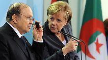 Angela Merkel und Abdelaziz Bouteflika 2010 im Bundeskanzleramt.