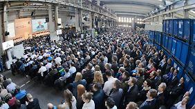 Bei Betriebsversammlungen von VW sind regelmäßig mehrere Tausend Beschäftigte anwesend.