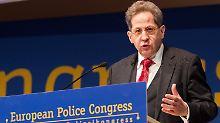 Verfassungsschutz-Präsident Hans-Georg Maaßen warnt vor der anhaltenden Terrorgefahr in Deutschland.