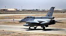 Erstmals Einsätze im Nachbarland: Irakische Jets greifen IS in Syrien an