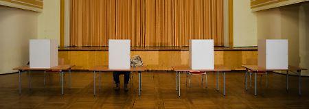 Wahlordnung wird geändert: Smartphones in der Wahlkabine bald illegal