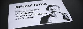 Bereits am Wochenende gab es in Berlin einen Autocorso, bei dem die Freiheit von Deniz Yücel gefordert wurde.