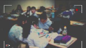 Umstrittenes Pilotprojekt: Großbritannien testet Bodycams für Lehrer