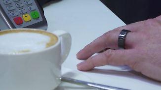 Technische Finessen auf dem MWC: Kreditkarte versteckt sich in Fingerring
