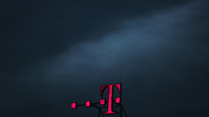 Gewinneinbruch trotz starkem US-Geschäft: Brexit kostet Telekom Milliarden