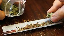 Marihuana in der Wohnung: Junge zeigt kiffende Eltern an
