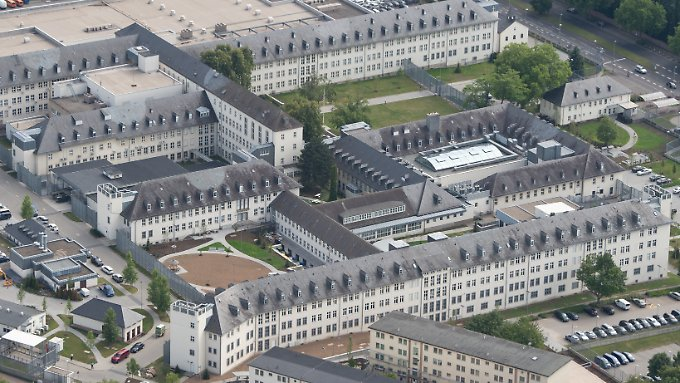 In Frankfurt betreiben die USA ihr größtes Konsulat der Welt.