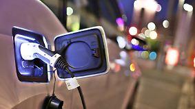 Deutsche Elektroautos in Genf: Experten: Klassiker umzurüsten ist zu wenig