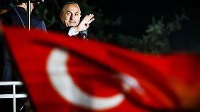 Türkischer Außenminister zu Gast: Cavusoglu teilt gegen Deutsche aus