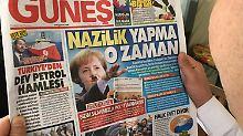 """Reaktion auf """"Nazi-Praktiken"""": Türkisches Blatt zeigt Merkel mit Hitler-Bart"""