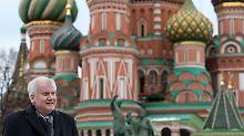 Mit Riesendelegation in Moskau: Das Datum schreckt Seehofer nicht