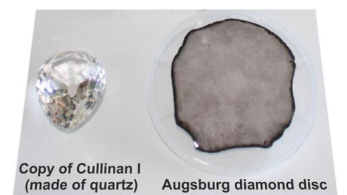 Das Bild zeigt den direkten Vergleich zwischen dem synthetischen Stein und dem Nachbau des Cullinan I.