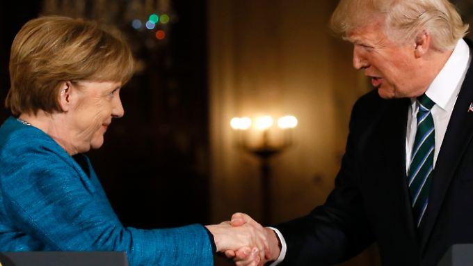Freundliche Gesten, aber wenig Gemeinsamkeiten: Trump empfängt Merkel im Weißen Haus.
