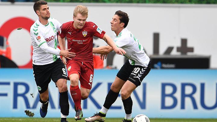 Die Fürther nahmen den VfB in die Zange - und siegte am Ende.
