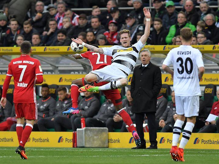 Gladbach hängt nach der Pleite im Niemandsland, je fünf Zähler vor den Abstiegsrängen und fünf hinter den Europapokalplätzen.