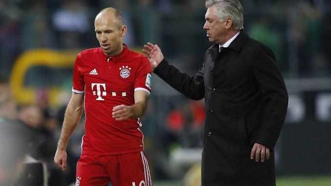Arjen Robben hat sich nicht im Griff - und verweigert seinem Trainer Carlo Ancelotti den Handschlag.
