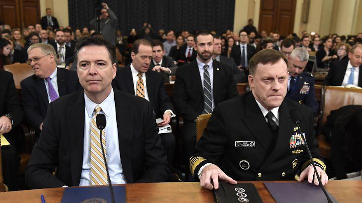 FBI-Chef Comey und NSA-Chef Rogers vor dem Geheimdienstausschuss des Repräsentantenhauses.