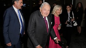 David Rockefeller kommt zu einer Veranstaltung in das Museum of modern Art in New York. (Archivaufnahme von Juni 2015)