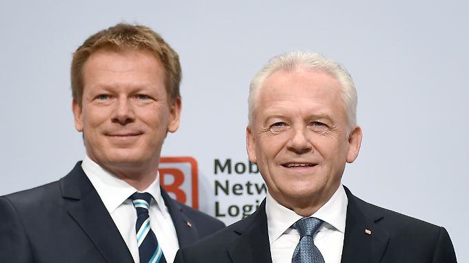 Alter und neuer Bahnchef nebeneinander: Links Richard Lutz, rechts sein Vorgänger Rüdiger Grube (Archivbild).