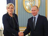 Wahlkampf in Moskau: Putin empfängt überraschend Le Pen