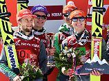 Platz zwei: Markus Eisenbichler, Karl Geiger, Andreas Wellinger, Richard Freitag.