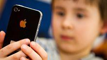 Mit Siris Hilfe Notruf gewählt: Vierjähriger rettet das Leben seiner Mutter