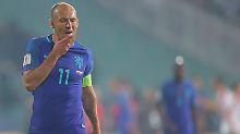"""Peinliche """"Parodie von Fußball"""": Blind bangt, Robben wütet nach WM-Blamage"""