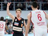 So läuft's: Der ehemalige Hagener Per Günther ist der Taktgeber der erfolgreichen Ulmer Basketballer.