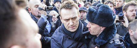 EU fordert sofortige Freilassung: Kremlkritiker Nawalny drohen 15 Tage Arrest