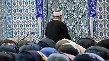 Buch dokumentiert Predigten: So sind Moscheen keine Orte der Integration