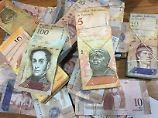 Der Bolivar verliert kräftig an Wert.