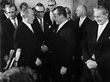 Auftrag an den BND: Adenauer ließ angeblich Brandt bespitzeln