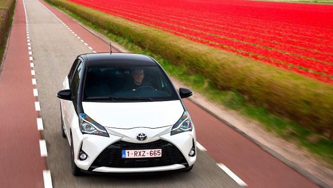Toyota spendiert dem frisch gelifteten Yaris eine aggressiver gezeichnete Front.