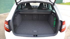Im Skoda Octavia RS Combi sind im Normalzustand 610 Liter Kofferraum verfügbar.