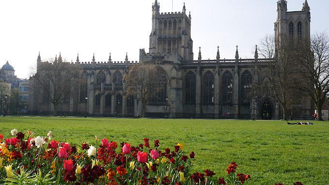 Blick auf die Bristol Cathedral - auf dem Green College.
